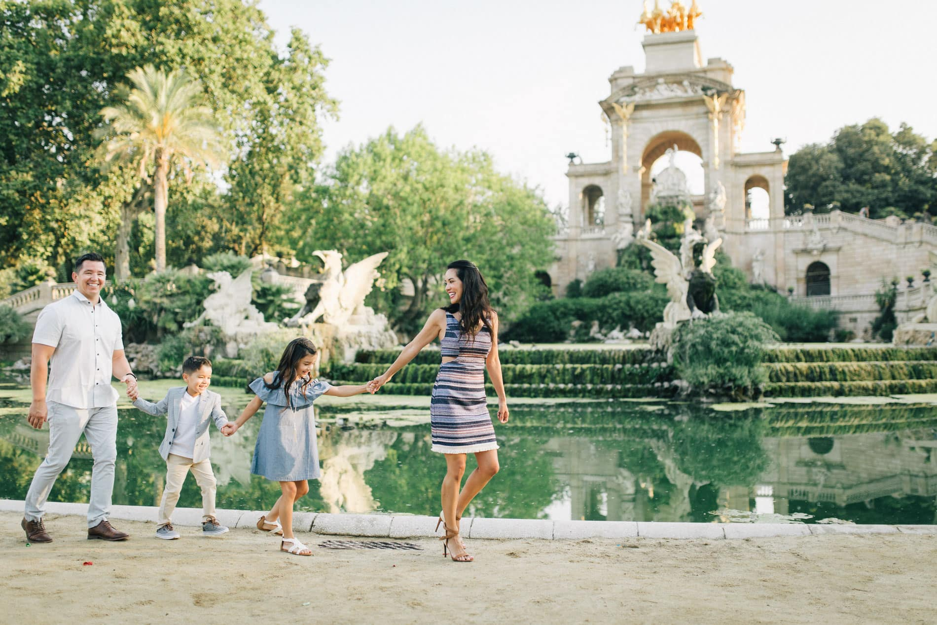 Ideas for Great Family Photo Outfits for All Occasions